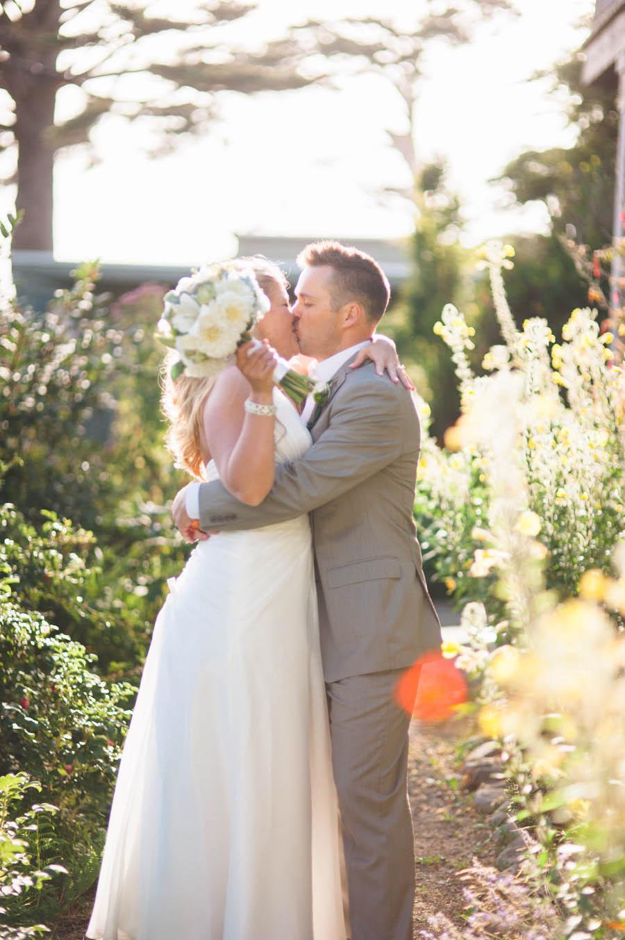 bride and groom epic golden hour portrait