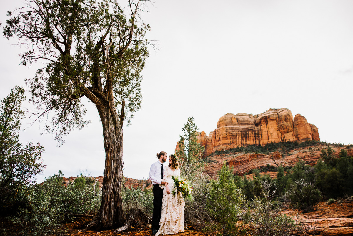 sedona boho bride and groom